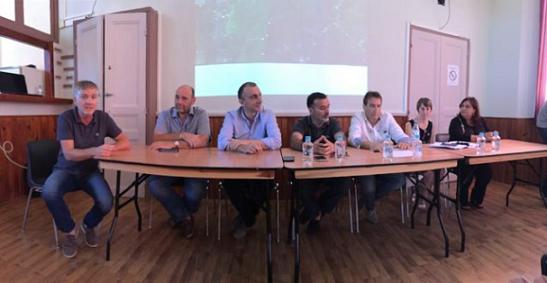 De gauche à droite: Lionel PASQUALINI , Jean-François POLI, Jean-Christophe ANGELINI , Jean-Marie VECCHIONI, Joseph CORNEBISE, Rita BERTEAU, Catherine COGNETTI